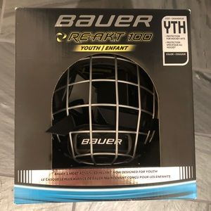 Hockey helmet NWT Youth Bauer RE ACT 100 cage